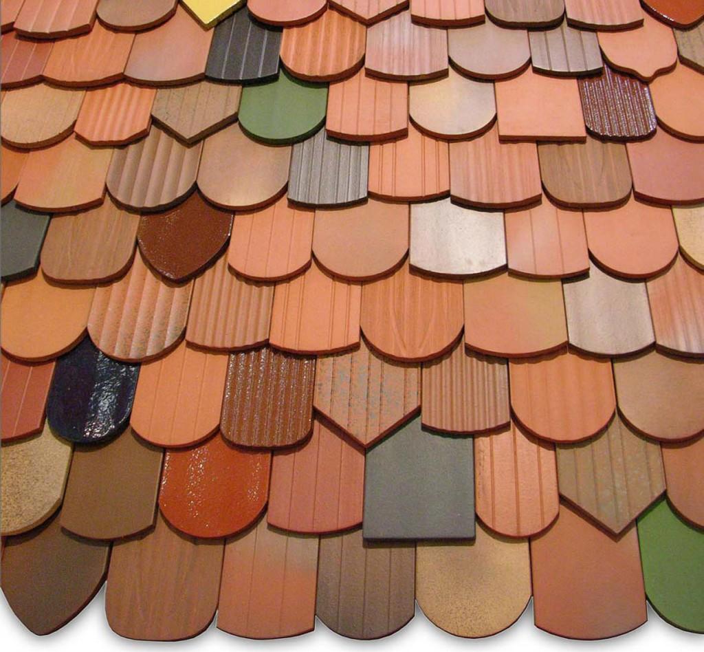 Altehrwürdige Biberschwanzziegel sind ein echter Klassiker auf deutschen Dächern. Dank ihrer natürlichen Anmutung formen sie eine ausgesprochen harmonische Dachlandschaft. Bild: hausidee.de