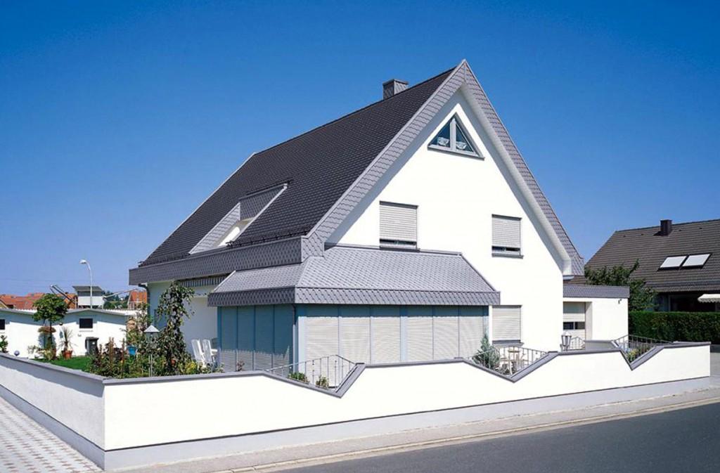 Dachbaustoffe im Vergleich: Dacheindeckungen aus Titanzink sind wahre Anpassungskünstler, denn mit ihnen lassen sich nahezu alle Dachgeometrien verwirklichen. Bild: tdx/dach.de