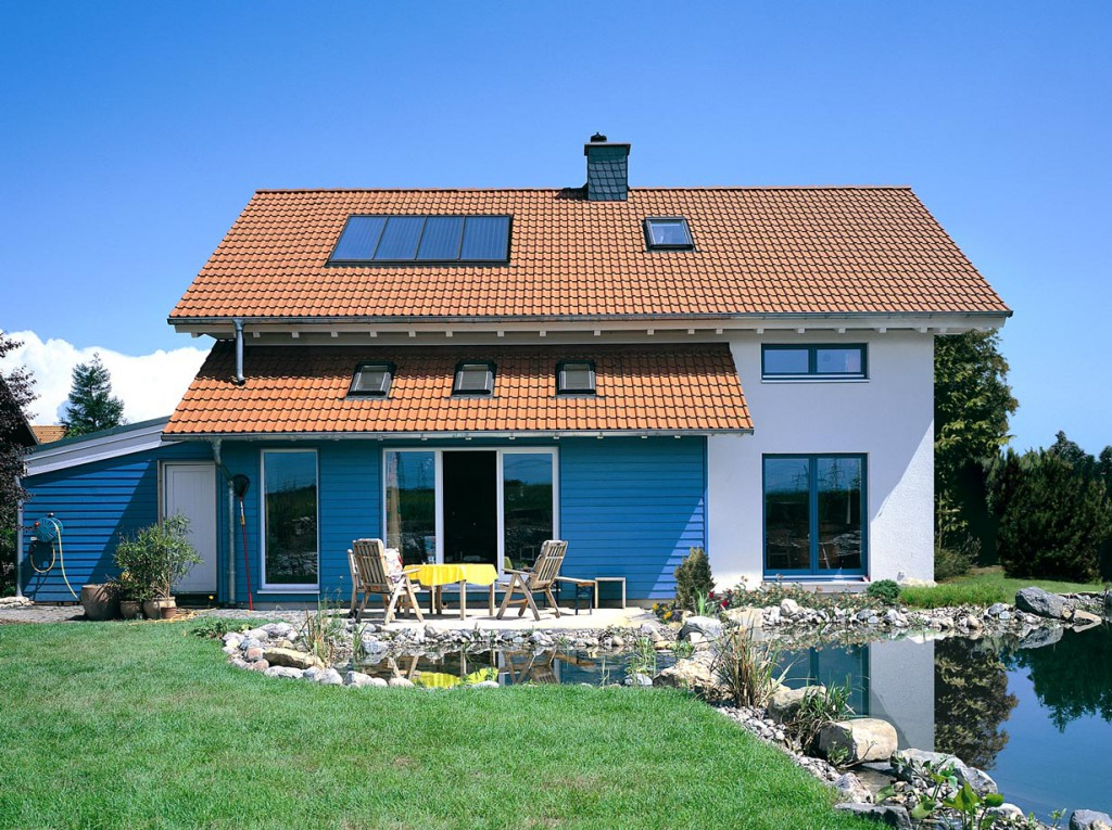 Unterschiedliche Oberflächen, Farben und Formen – Dachsteine verleihen jedem Hausdach eine individuelle Note. Bild: tdx/Braas