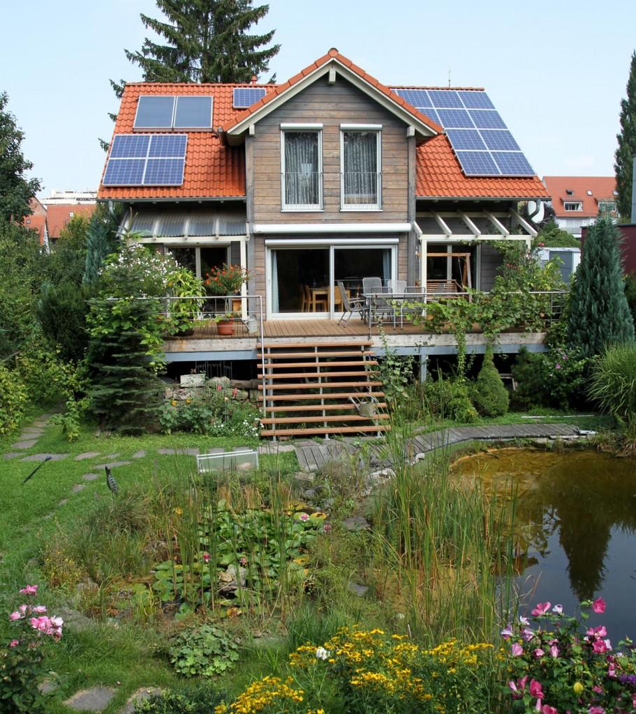 Ein Großteil der Deutschen wünscht sich einen eigenen Garten. Bild: fotolia