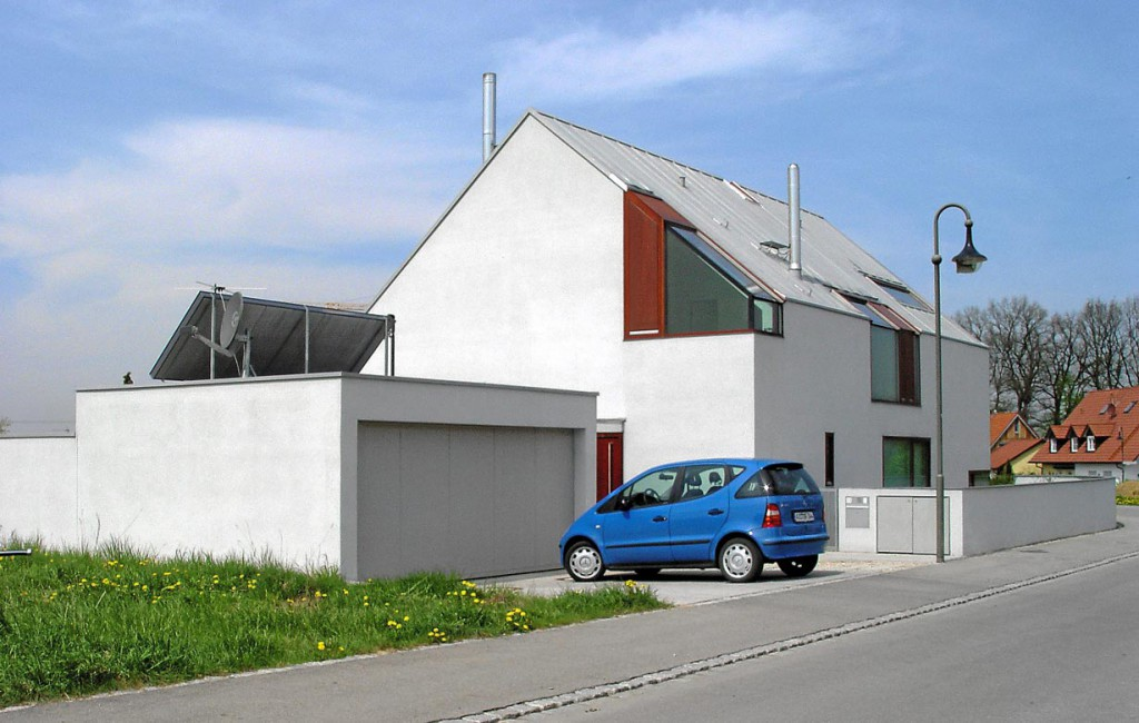 Architekt oder Bauträger? Ersterer punktet mit Individualität, denn die Handschrift eines Architekten ist durchaus erkennbar. Bild: hausidee.de