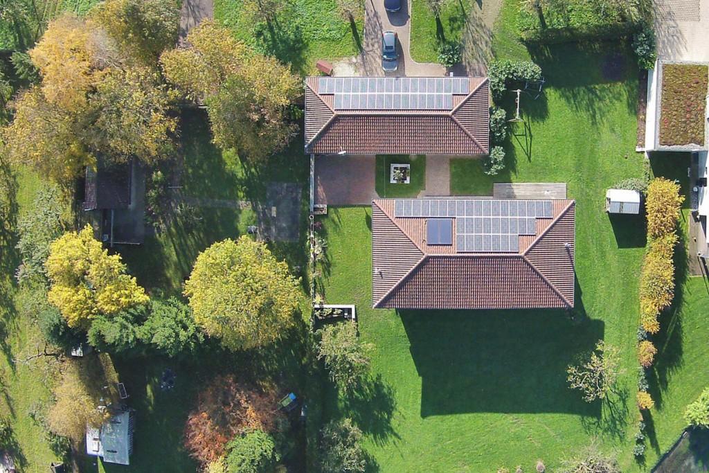 Die Solaranlagen auf den Dächern sorgen in Kombination mit moderner Gasbrennwerttechnik für niedrige Energiekosten in beiden Gebäuden. Bild: tdx/Mein Ziegelhaus