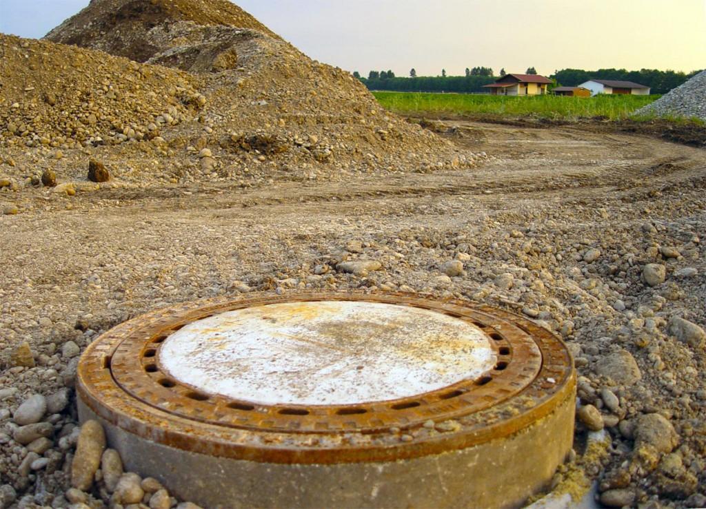 Wichtige Fragen nach dem Bebauungsplan eines Grundstückes oder gültigen Auflagen sollten in einem ausführlichen Gespräch mit der Baubehörde geklärt werden. Bild: hausidee.de