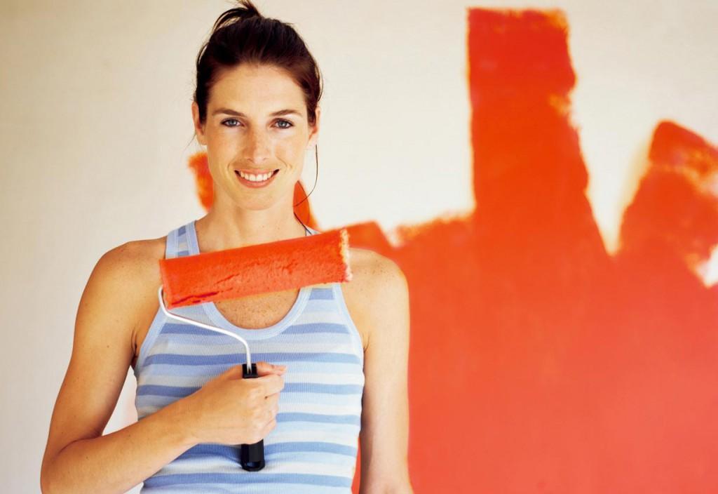 Malerarbeiten sind der Klassiker unter den Arbeiten in Eigenleistung. Bild: tdx/Alpina Farben