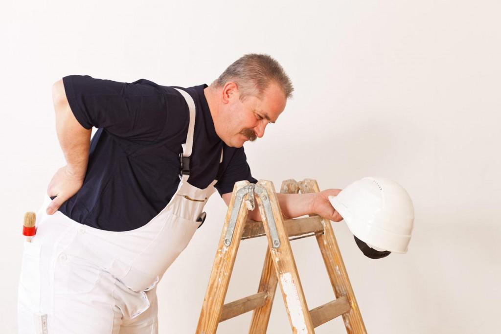 Wer körperliche Arbeit nicht gewohnt ist, kann schnell an seine Grenzen stoßen. Bild: fotolia
