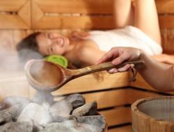 Das ganz private Saunavergnügen lässt sich komfortabel in den eigenen vier Wänden genießen. Bild: fotolia