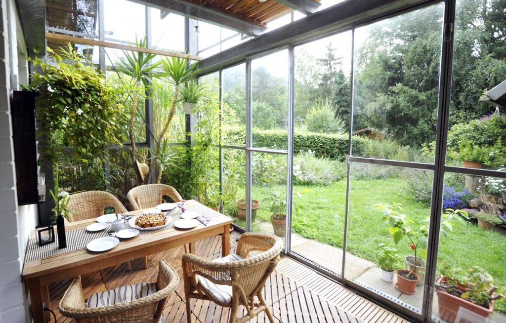 Ein Wintergarten muss entsprechend geplant und ausgestattet werden. Bild: fotolia