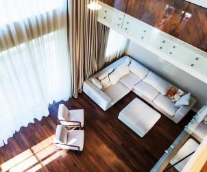 Holz macht Wohnräume erst so richtig wohnlich. Bild: fotolia