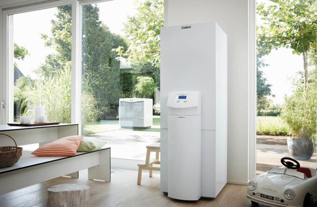 Als Antriebsenergie der Wärmepumpe dient Strom. Dieser stammt zu immer größeren Teilen aus erneuerbaren Energien und wertet damit das ganze Heizsystem auf. Bild: tdx/Bundesverband Wärmepumpe (BWP)