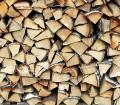 """Heizen mit Holz ist nicht nur """"in"""", sondern auch ökologisch sinnvoll und zumeist kostengüstig. Bild: hausidee.de"""