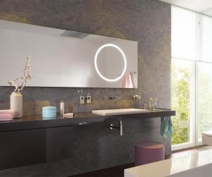Die Spiegelmanufaktur Minetti bietet individuelle Maßanfertigungen an. In traditioneller Handarbeit entstehen bei Minetti Unikate, die perfekt auf jede Badezimmersituation abgestimmt sind. Bild: tdx/Minetti