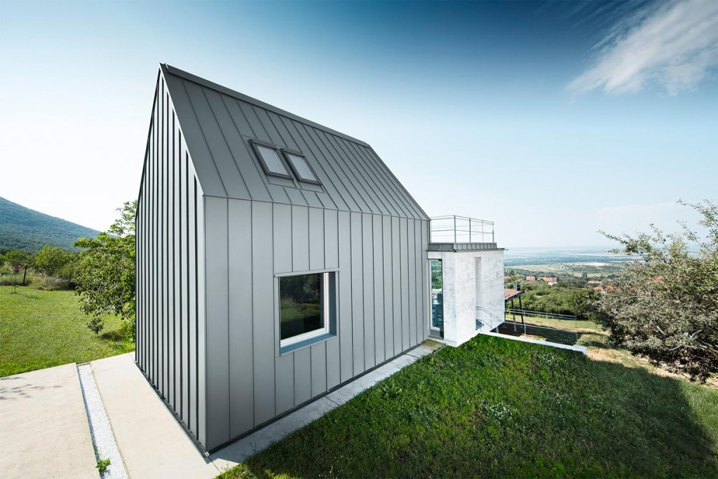 """Preisgekröntes """"Haus des Jahres"""" in natürlicher Umgebung in Ungarn Bild: Prefa/Croce"""