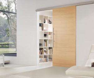 Da der Holzfachhandel einen Montage-Service für den Einbau vor Ort anbietet, lassen sich auch Schiebe-Innentüren als besonders platzsparende Möglichkeit der Raumgestaltung integrieren. Bild: tdx/GD Holz e.V./GRAUTHOFF Türengruppe