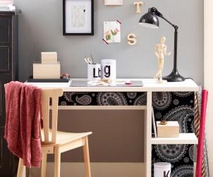Idee #3. Schreibtischablagen und Fächer können mit Tapeten beklebt werden. Bild: Hohenberger