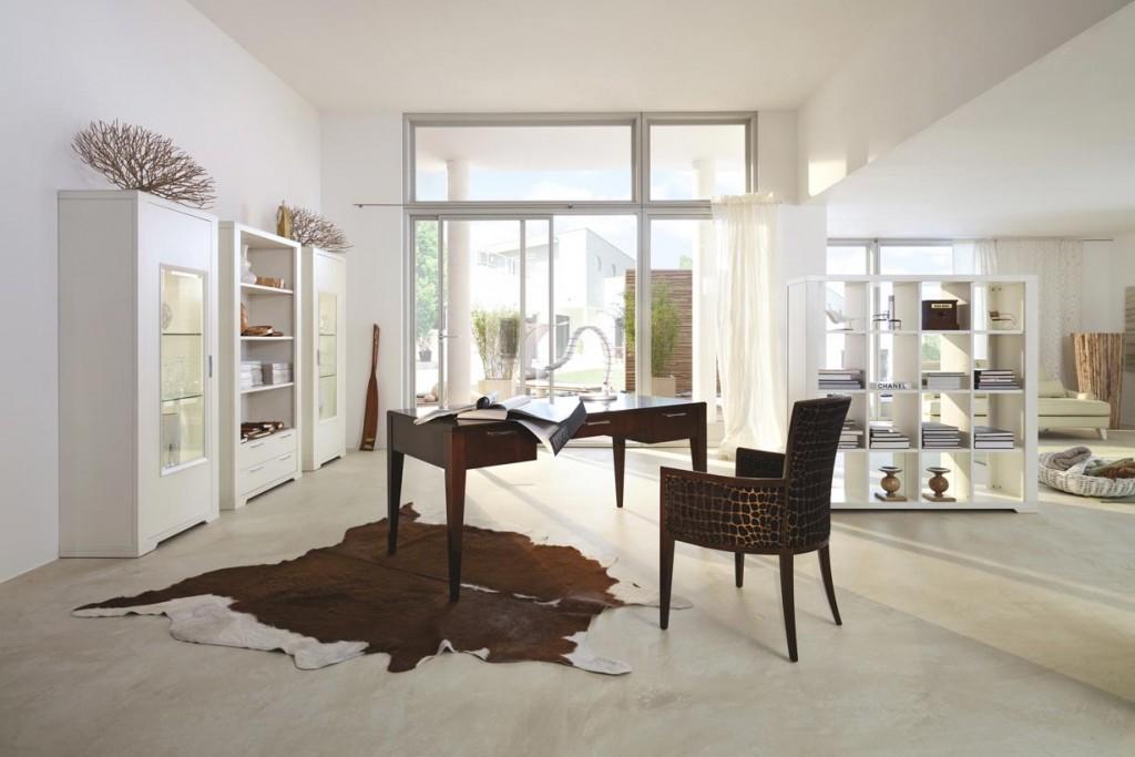 Ein großer, lihtdurchfluteter Raum ist ideal zum Einrichten des Homeoffice. Bild: Selva