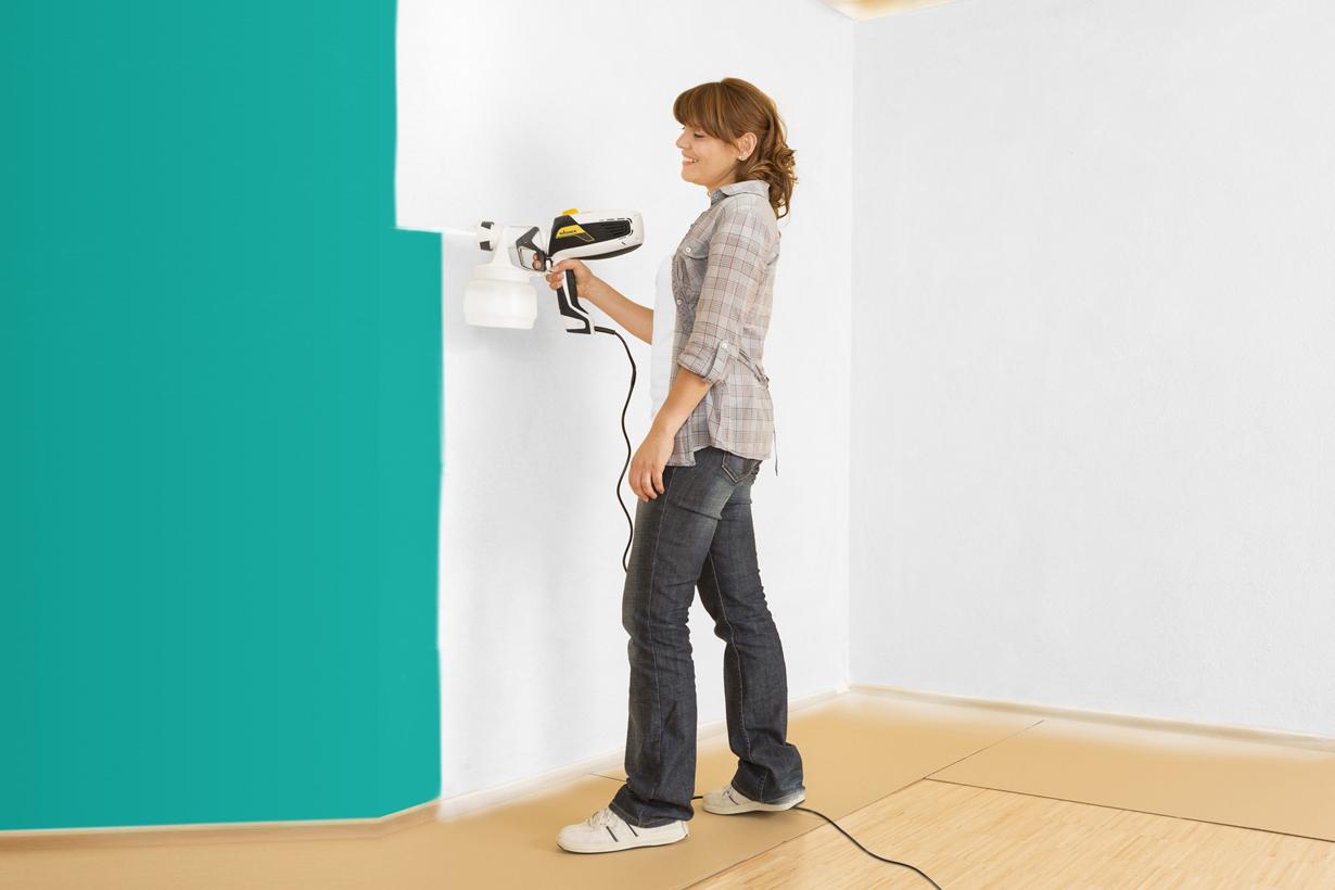 Malern und Tapezieren wird besonders häufig in Eigenleistung erbracht. Eine Vielzahl praktischer Werkzeuge erleichtern dem Heimwerker die Arbeit. Bildquelle: tdx/Wagner