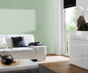 Bereits eine einzelne farbige Wand kann einem Wohnraum eine neue Atmosphäre verleihen. Bild: tdx/Knauf