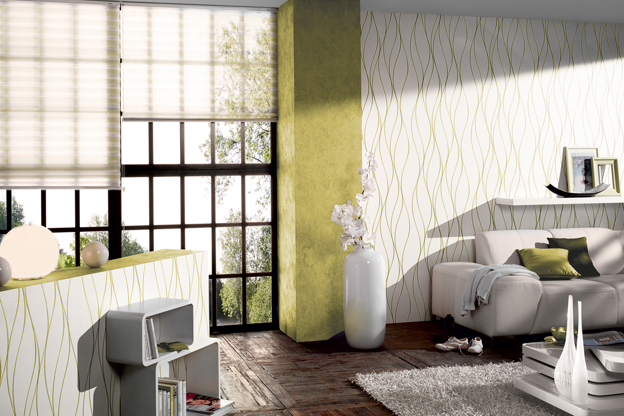 Entscheidend für eine einladende Atmosphäre ist die Wahl der Farbkombination. Ein freundliches Ambiente entsteht beispielsweise mit Grün und Weiß. Besonderes Highlight ist hier, dass der Grünton in den filigranen Strukturen der weißen Tapete wieder aufgegriffen wird. Das rundet die Raumgestaltung ab. Bildquelle: tdx/A.S. Création Tapeten AG