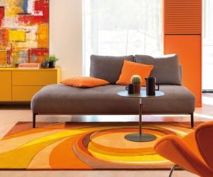 """Die Herbstfarben im Wohnraum, denn warm, farbenfroh und flauschig ist """"Showtime"""" von Arte Espina. Der Teppich sorgt auch an kalten Tagen für eine tolle Atmosphäre, die zum Verweilen einlädt. Bild: Arte Espina"""